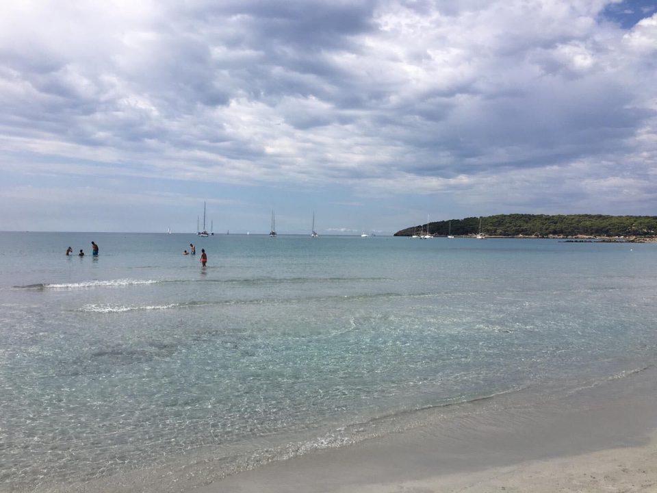 Spiaggia dell'isola di Santioco
